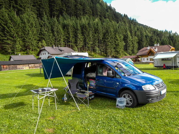 camping bett vw caddy camping vw caddy maxi das kayak. Black Bedroom Furniture Sets. Home Design Ideas